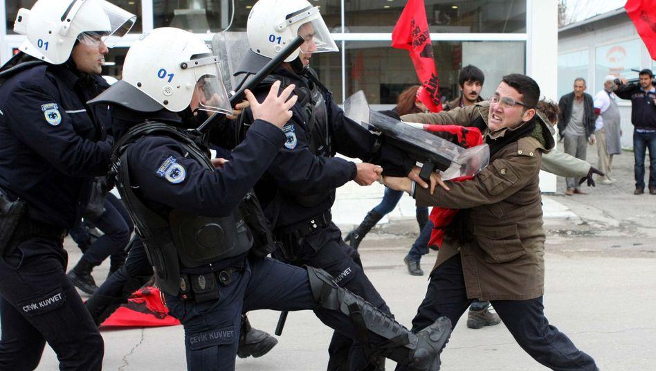 """""""Patriot""""-Einsatz in der Türkei: Bundesregierung verurteilt Attacke auf deutsche Soldaten"""