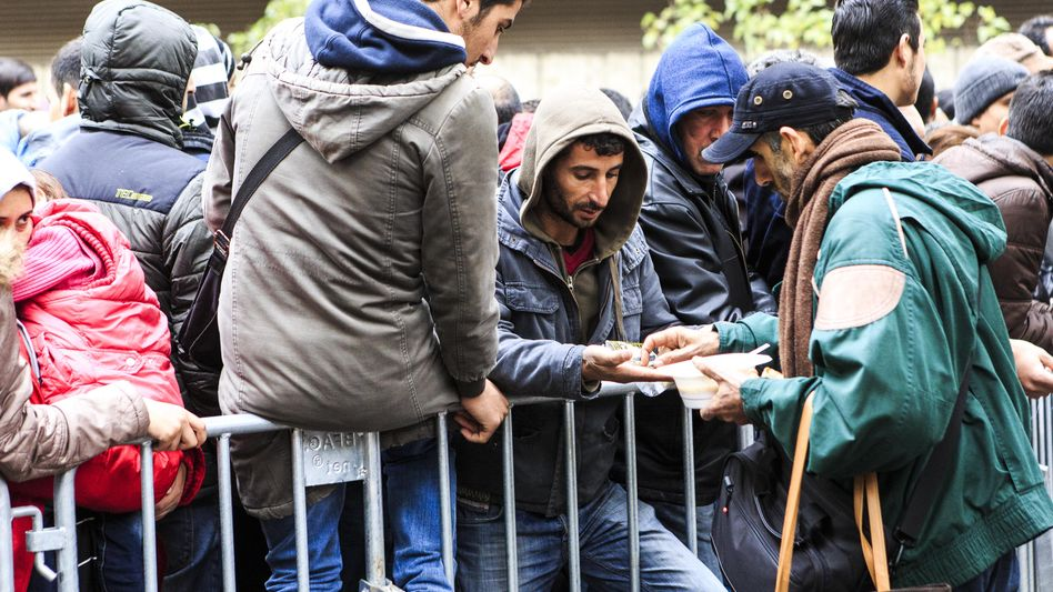 Flüchtlinge in Berlin: Hoffen auf den Job in Deutschland