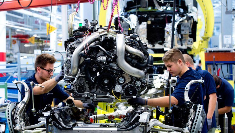 Motor im Mercedes-Benz Werk des Autokonzerns Daimler in Sindelfingen (Symbolbild)