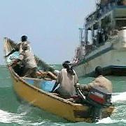 Piraten auf Schnellboot: Nahkampfsituation vermeiden
