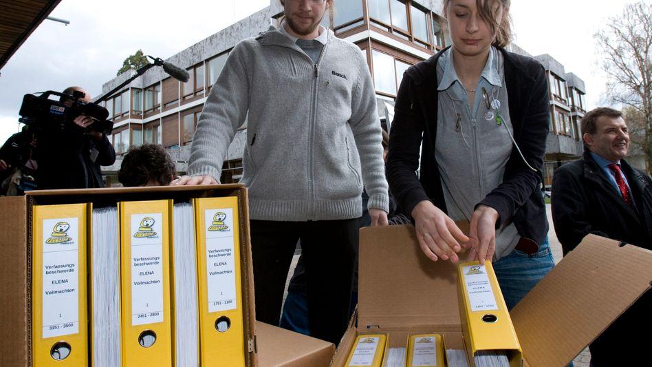 """Ordner mit Verfassungsbeschwerden gegen """"Elena"""" (März 2010): Regierung lässt löschen"""