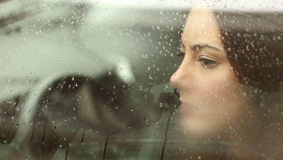 Schülerinnen sind häufiger von Depressionen betroffen als Schüler (Symbolbild)