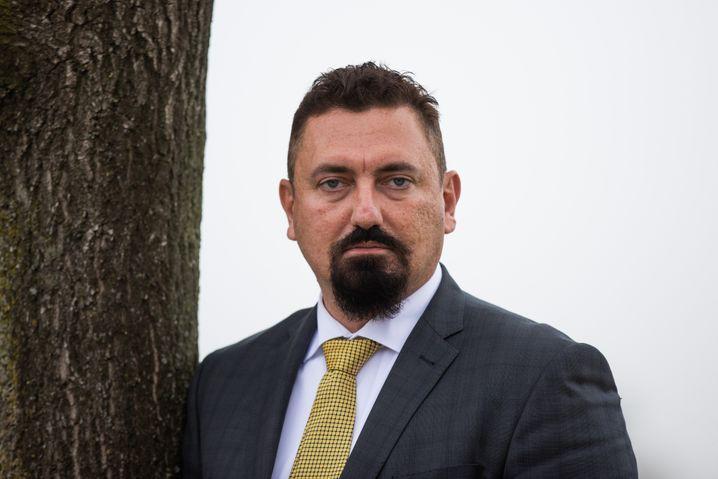 Dubravko Mandic, Anwalt und AfD-Stadtrat aus Freiburg: Wozu eine Maske im Gerichtssaal?