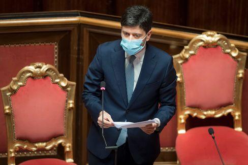 Italiens Gesundheitsminister Speranza vor der Senatskammer des Parlaments