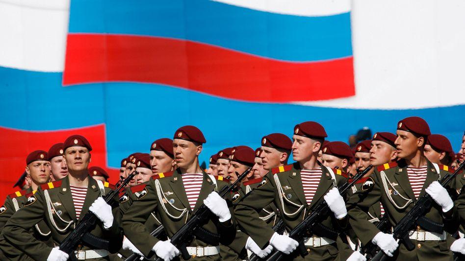 Russische Soldaten bei Militärparade: Reif für die Nato?