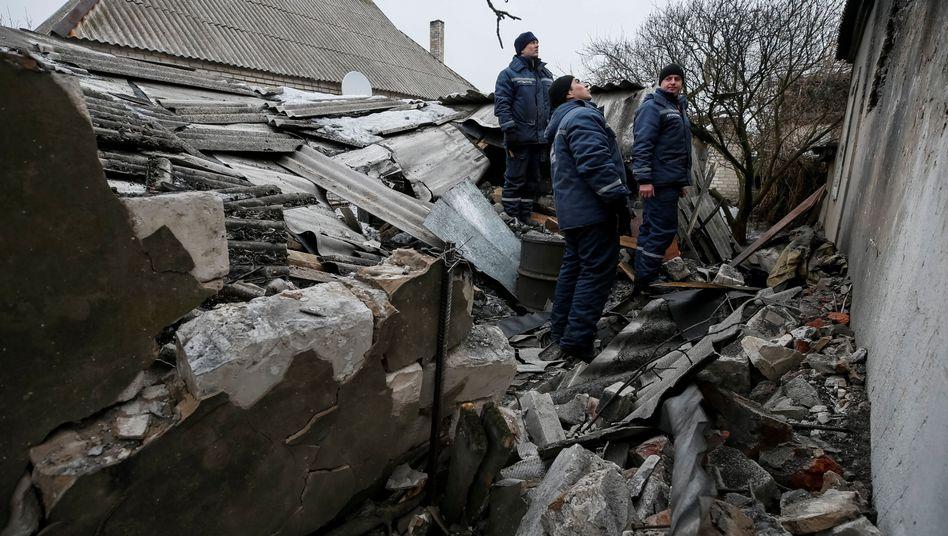 Hilfsarbeiter in Donetsk (Februar 2017): Die ukrainische Regierung und die prorussischen Separatisten aus Luhansk und Donezk haben eine wichtige Einigung erzielt
