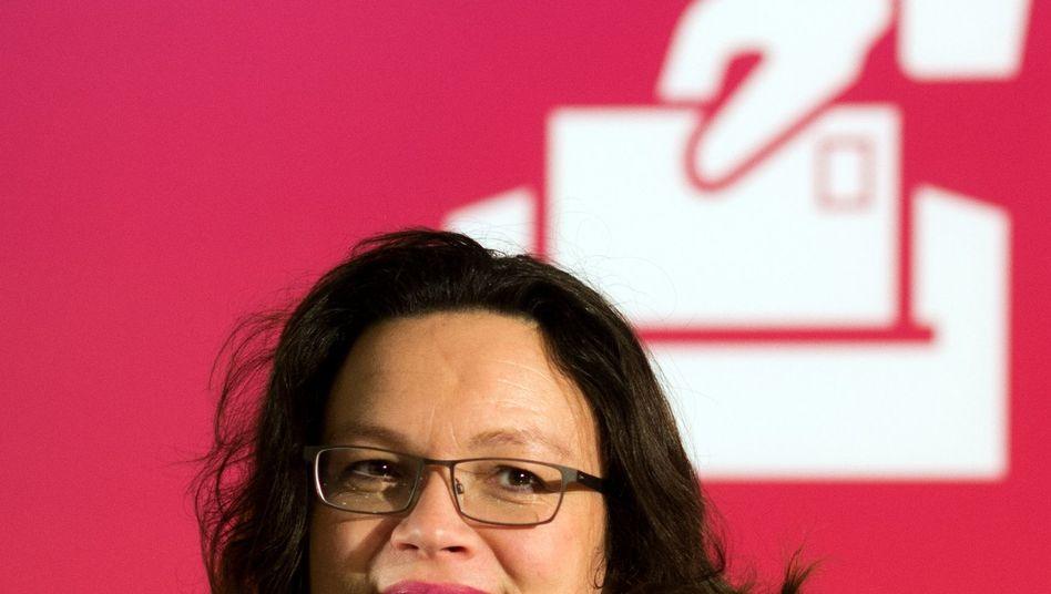 SPD-Generalsekretärin Nahles: Vor allem wichtig: keine neuen Schulden machen