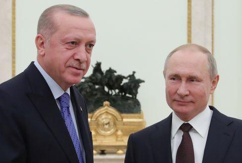 Erdoğan (l.) und Putin kommen sich immer wieder ins Gehege
