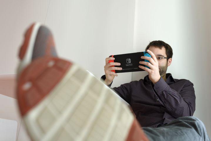 Markus Böhm spielt Nintendo Switch