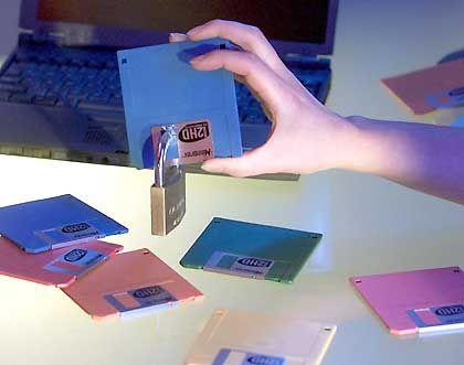 Weggeschlossen: Diskettenlaufwerke gibt es - zunächst bei Dell - künftig nur noch auf Wunsch und gegen Aufpreis