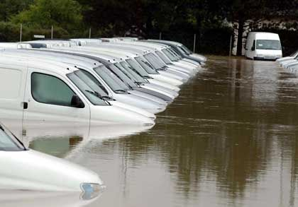 Totalschaden: In Schwertberg wurde das Gelände einer Umzugsfirma komplett überflutet