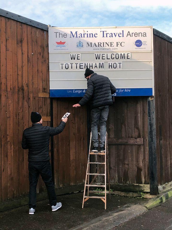 Der FC Marine begrüßt Tottenham Hotspur