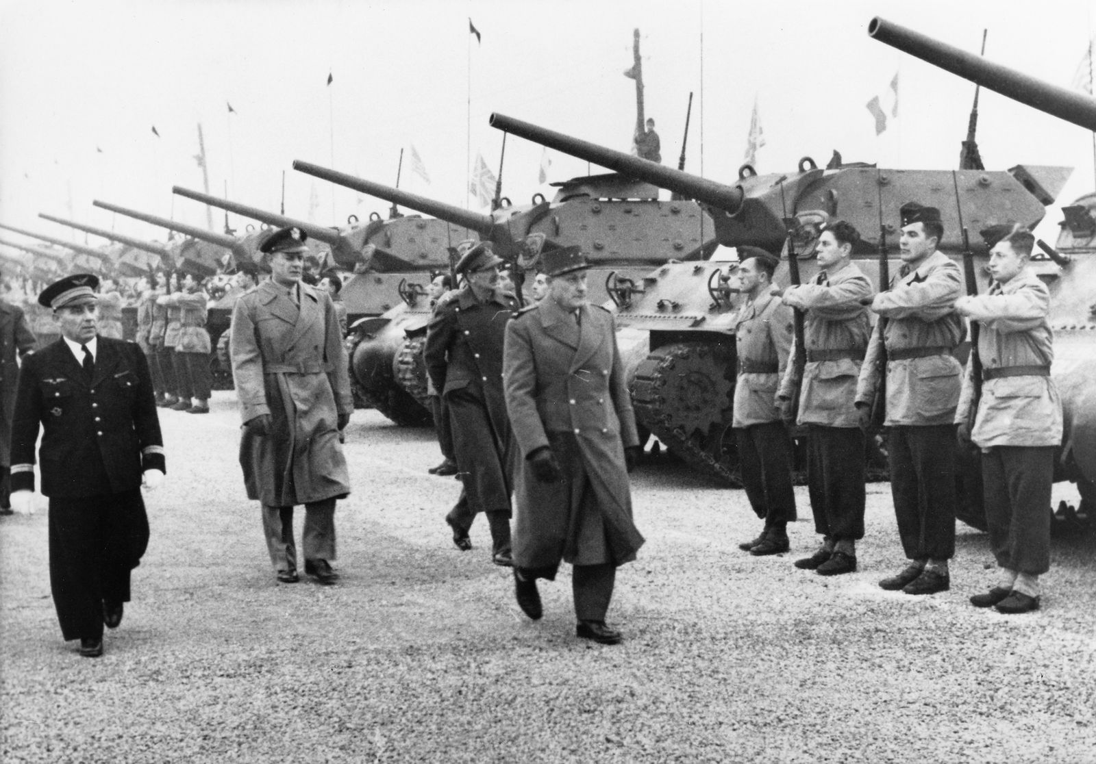 Blockade Berlin 1948/49 - General Ganeval, Generalmajor Herbert u. General Hall bei d. Einweihung v. Flughafen Tegel