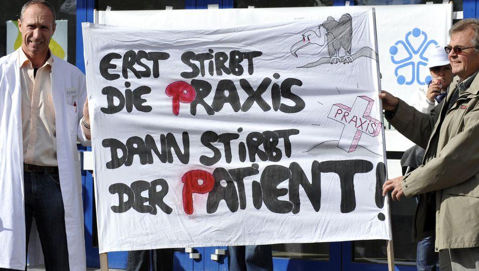 Streikende Hausärzte: Mediziner machen gegen Minister Rösler mobil
