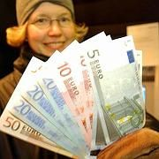 More Germans were pro-euro in earlier polls, says the Association of German Banks.