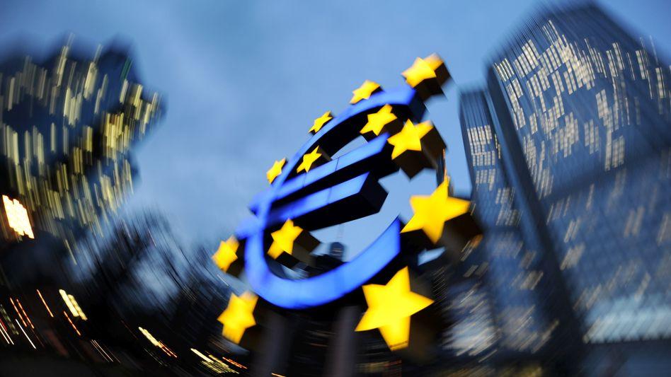 """Euro-Skulptur vor der EZB-Zentrale: """"Am schlimmsten wäre der chaotische Zusammenbruch"""""""