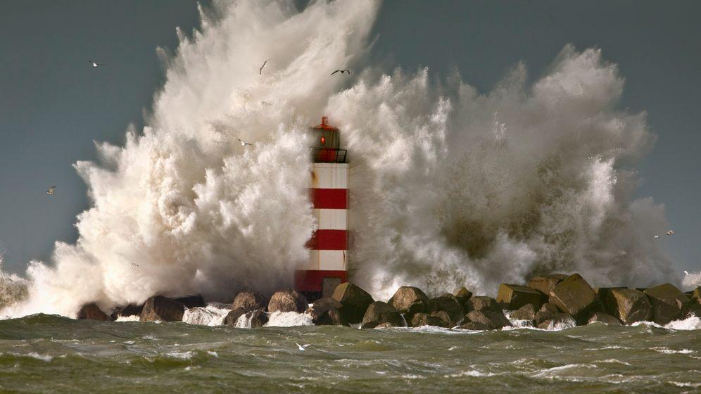 Orkan über dem Atlantik: Warnung vor Riesenwellen