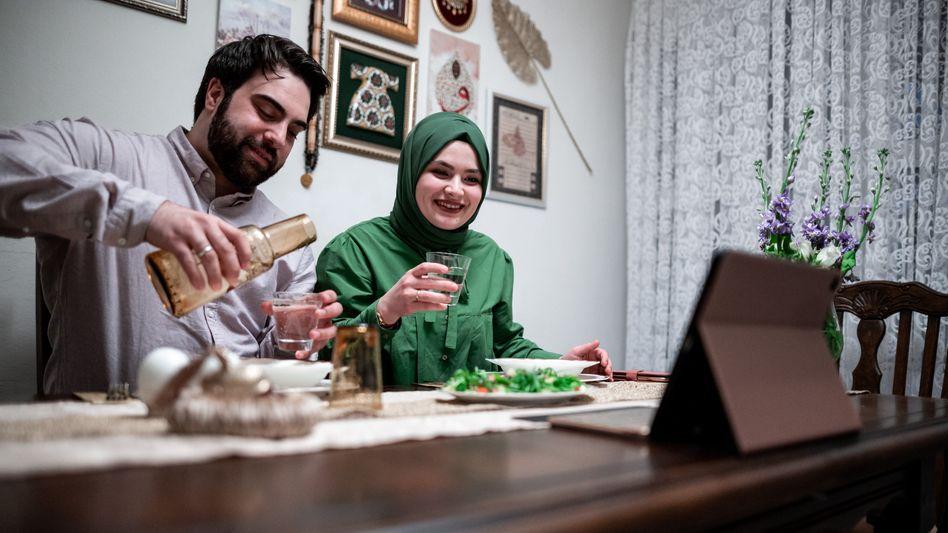 """Ramadan am iPad: """"Beim Fasten ist zwangsläufig jeder auf sich selbst gestellt"""""""
