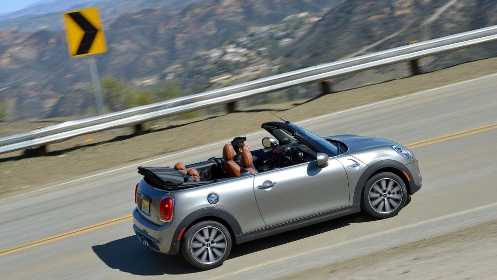 Autogramm Mini Cabrio: BMWs erfolgreichstes Cabrio