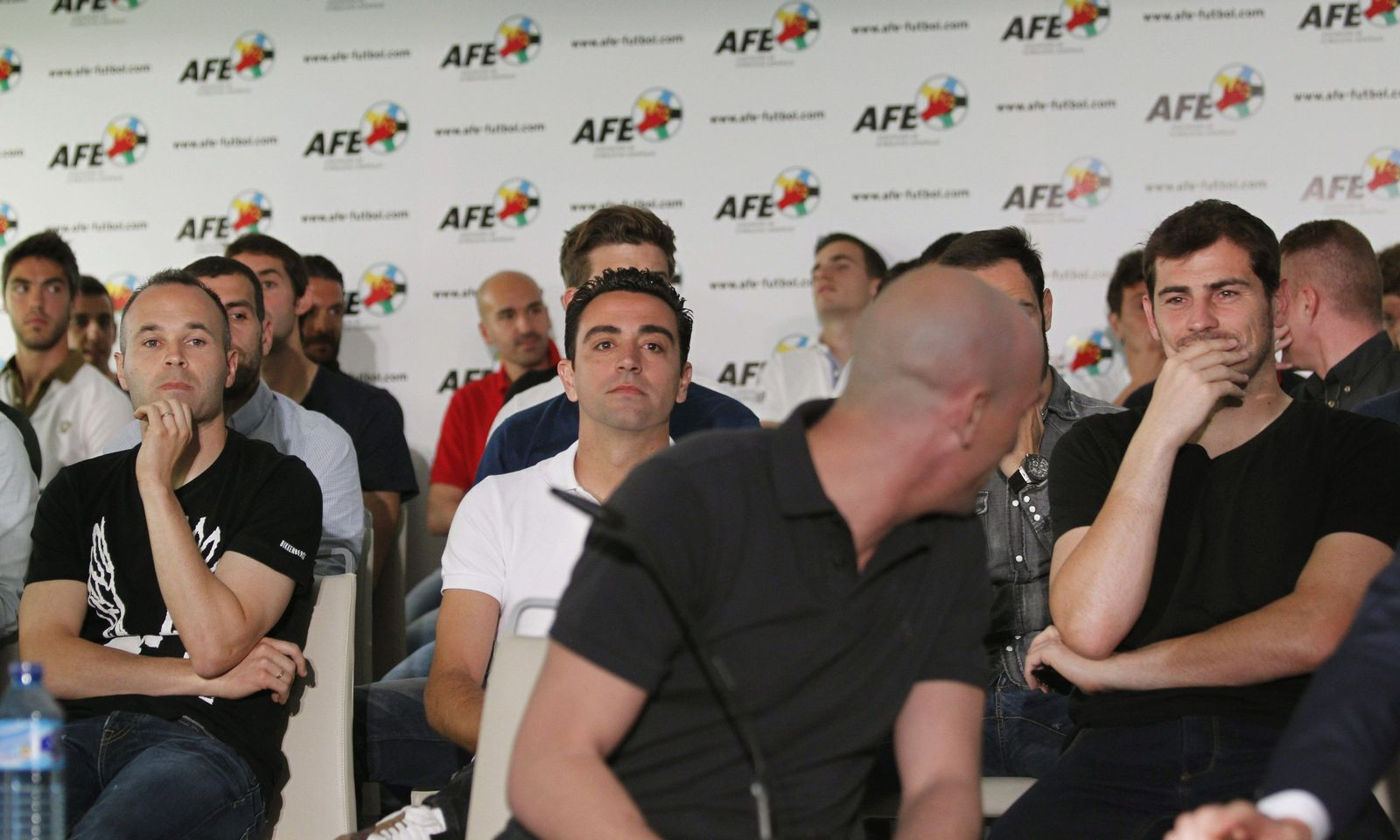 Spanish soccer players association announces strike