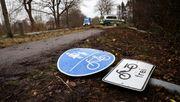 Auto fährt in Fußgängergruppe – zwei Tote