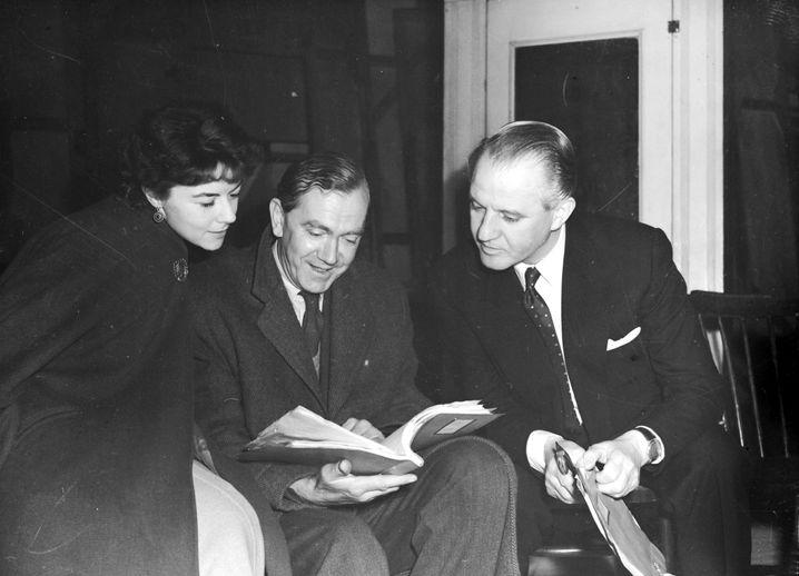 Autor Graham Greene (in der Mitte)