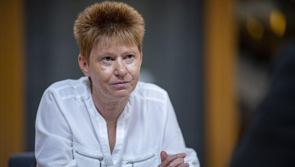 Linken-Politikerin Petra Pau: Jahrelanger Streit über Akteneinsicht
