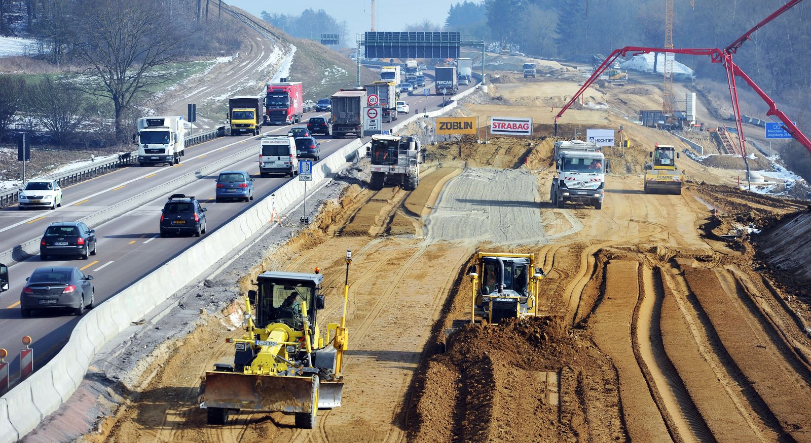 Autobahn / Baustelle / Bundesverkehrswegeplan / A8