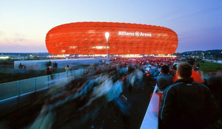 Bayern-Arena: Kein guter Pausenhof für Busfahrer mit Sturzneigung