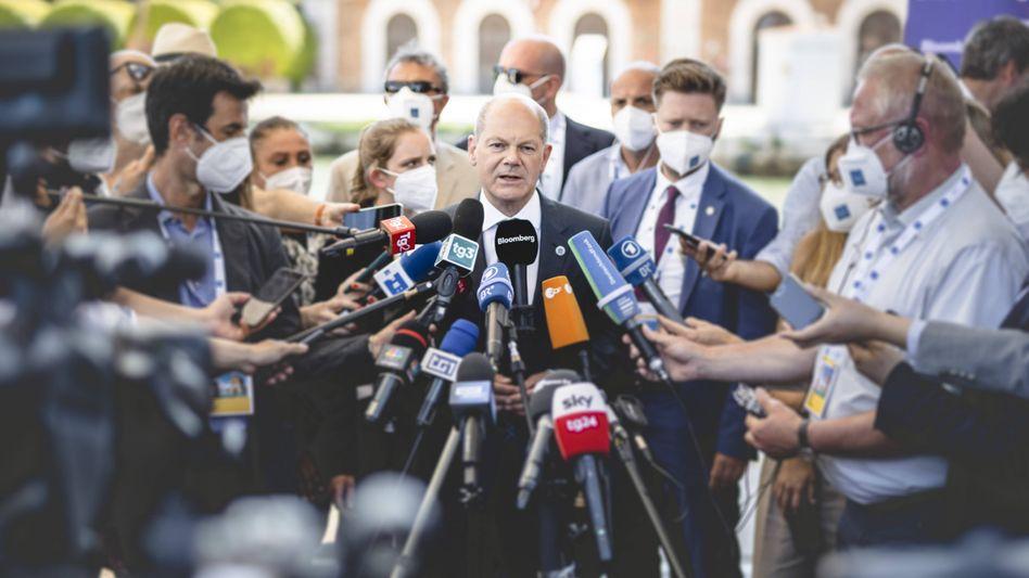 Finanzminister Scholz beim Pressestatement im Rahmen des G20 Gipfels in Venedig