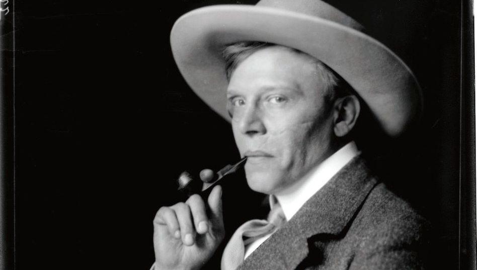 Extravagant:Hanns Heinz Ewers – hier 1911 in Wien – liebte Drogenexzesse und Anarchismus. Später reüssierte er als Kriegspropagandist und Helfer der Nazis.