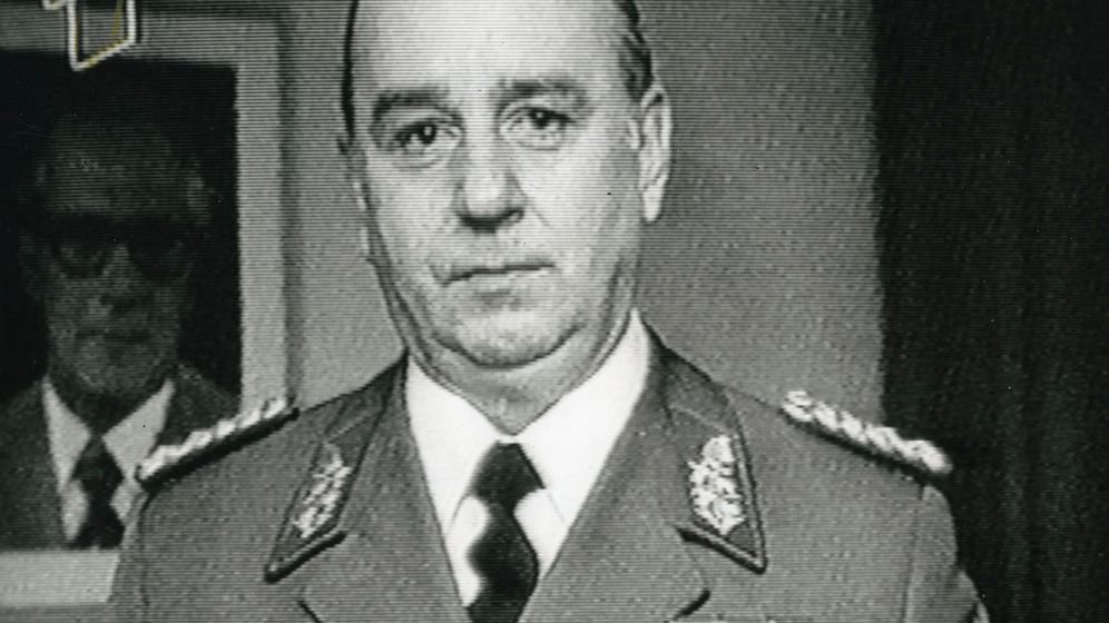 Stasi-Personalchef tot: Das Misstrauen in Person