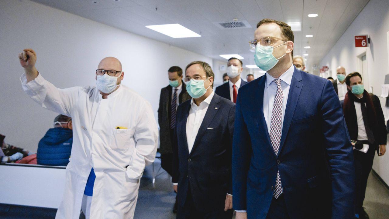 Darum hat Deutschland ein Maskenproblem - DER SPIEGEL - Politik