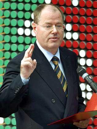 """NRW-Chef Steinbrück: """"Mit den Grundfragen beschäftigen"""""""