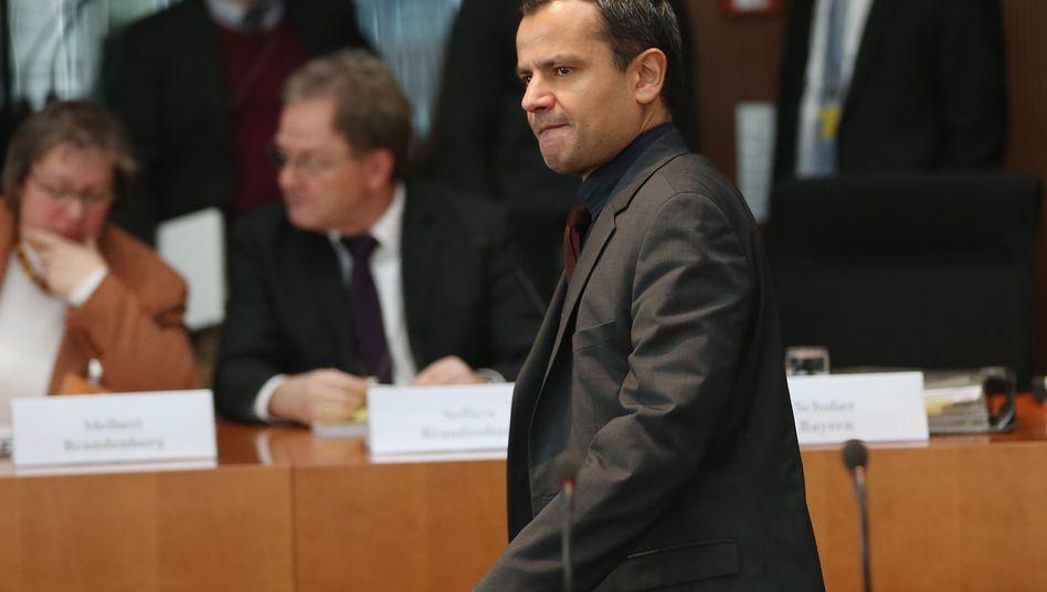 SPD-Politiker Edathy: Er weist alle Vorwürfe zurück