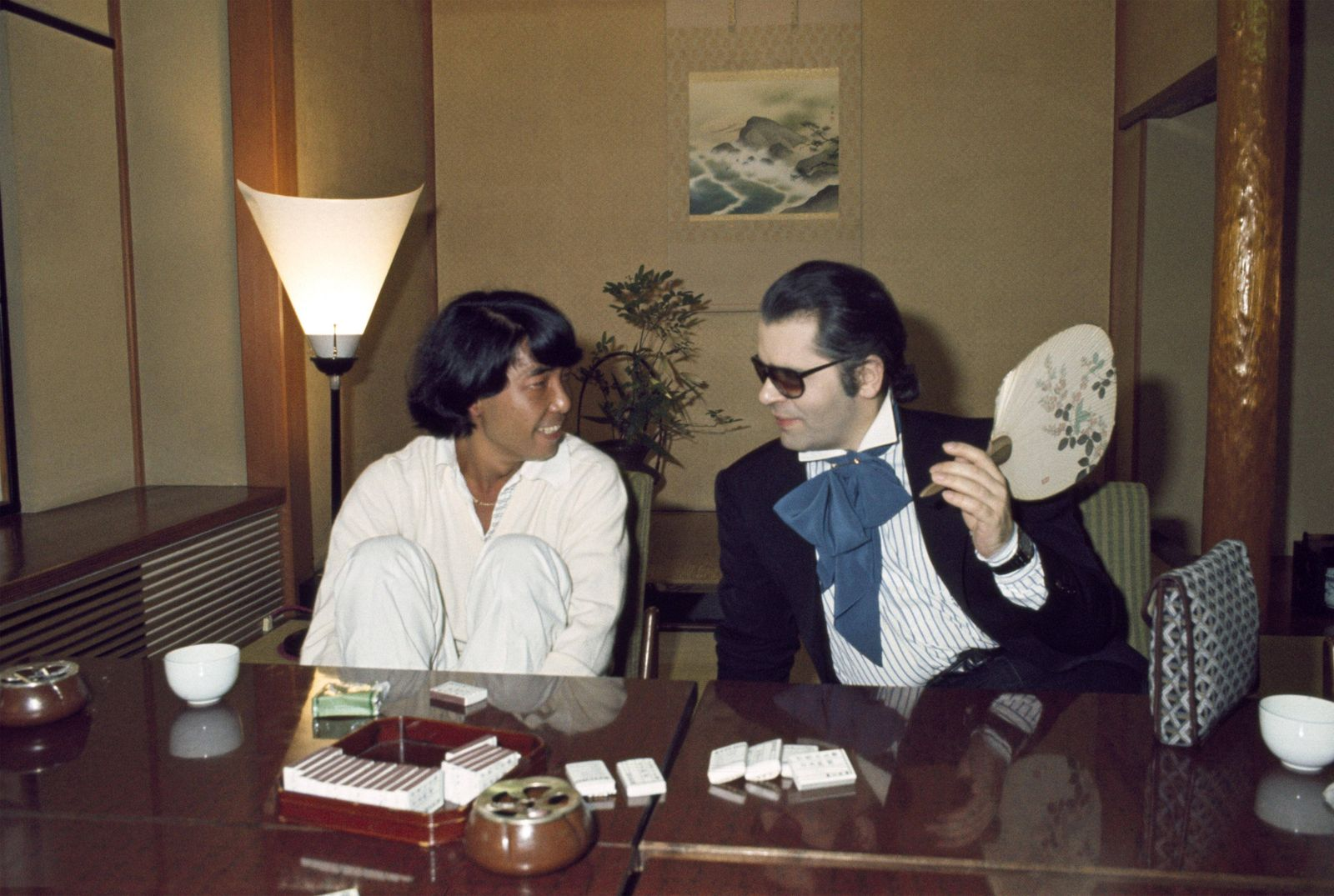 Karl Lagerfeld 1977 Fashion designer Karl Lagerfeld in a restaurant with Kenzo Takada in Japan in 1