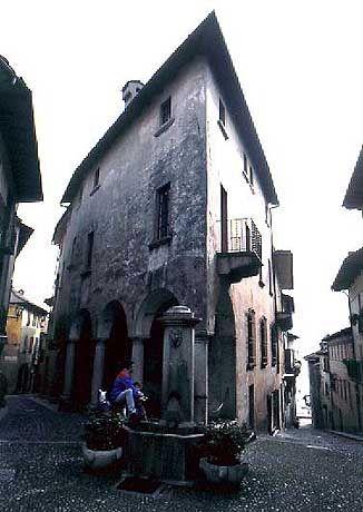 Das Patrizierhaus stammt aus dem 15. Jahrhundert.