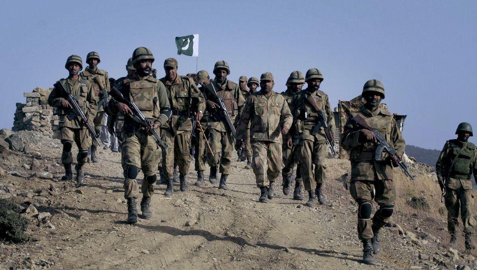 """Pakistanische Truppen (hier im Jahr 2009): Vorstoß gegen """"örtliche Terroristen"""""""