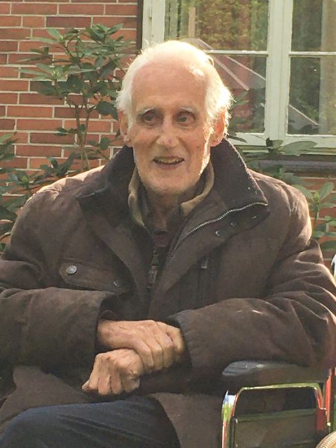 Merten Drevs studierte später Jura, wurde Staatssekretär im Finanzministerium von Mecklenburg-Vorpommern und lebt heute in Ratzeburg