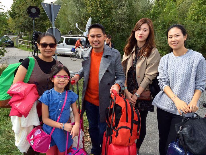 Philippinische Touristen: Wo geht es denn hier nach Salzburg?
