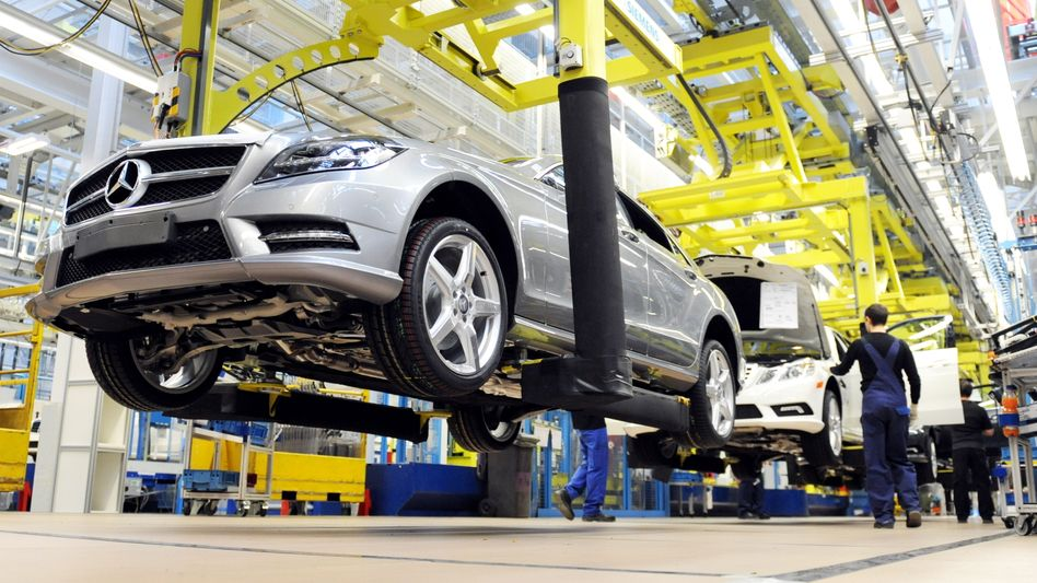 Autoproduktion: ZEW-Index fällt zum neunten Mal in Folge