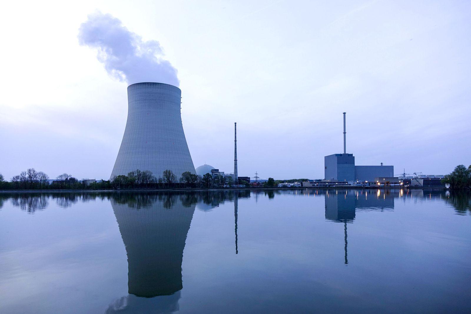 EINMALIGE VERWENDUNG Atomkraftwerk Ohu / Landsberg Bayern Deutschland