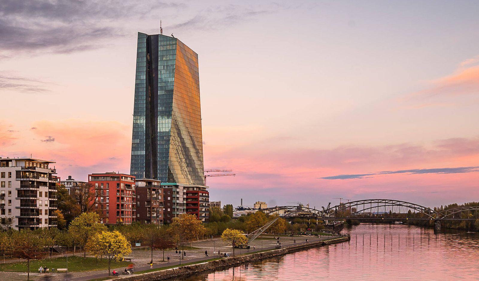 Deutschland - Frankfurt - 02.11.2020 / in Zeiten von Corona / Impressionen aus Frankfurt / am Main - EZB European Centra