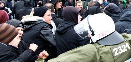 Protest von Kapitalismuskritikern in Berlin (im März): Politiker fordern Besonnenheit bei der Wortwahl