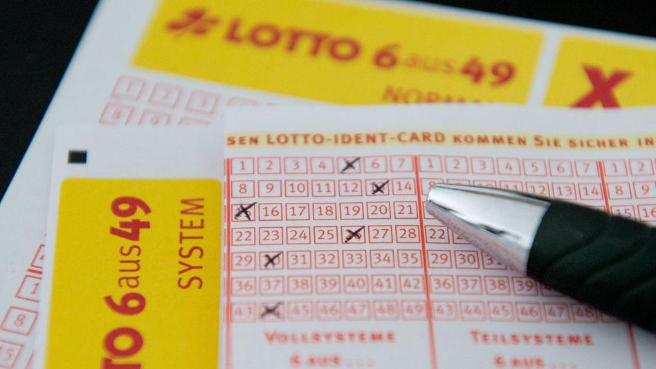 Lottoschein (mit falschen Zahlen)