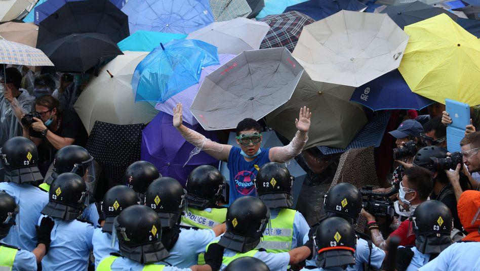 Demonstration für die Demokratie: Der Aufstand begann vor einer Woche