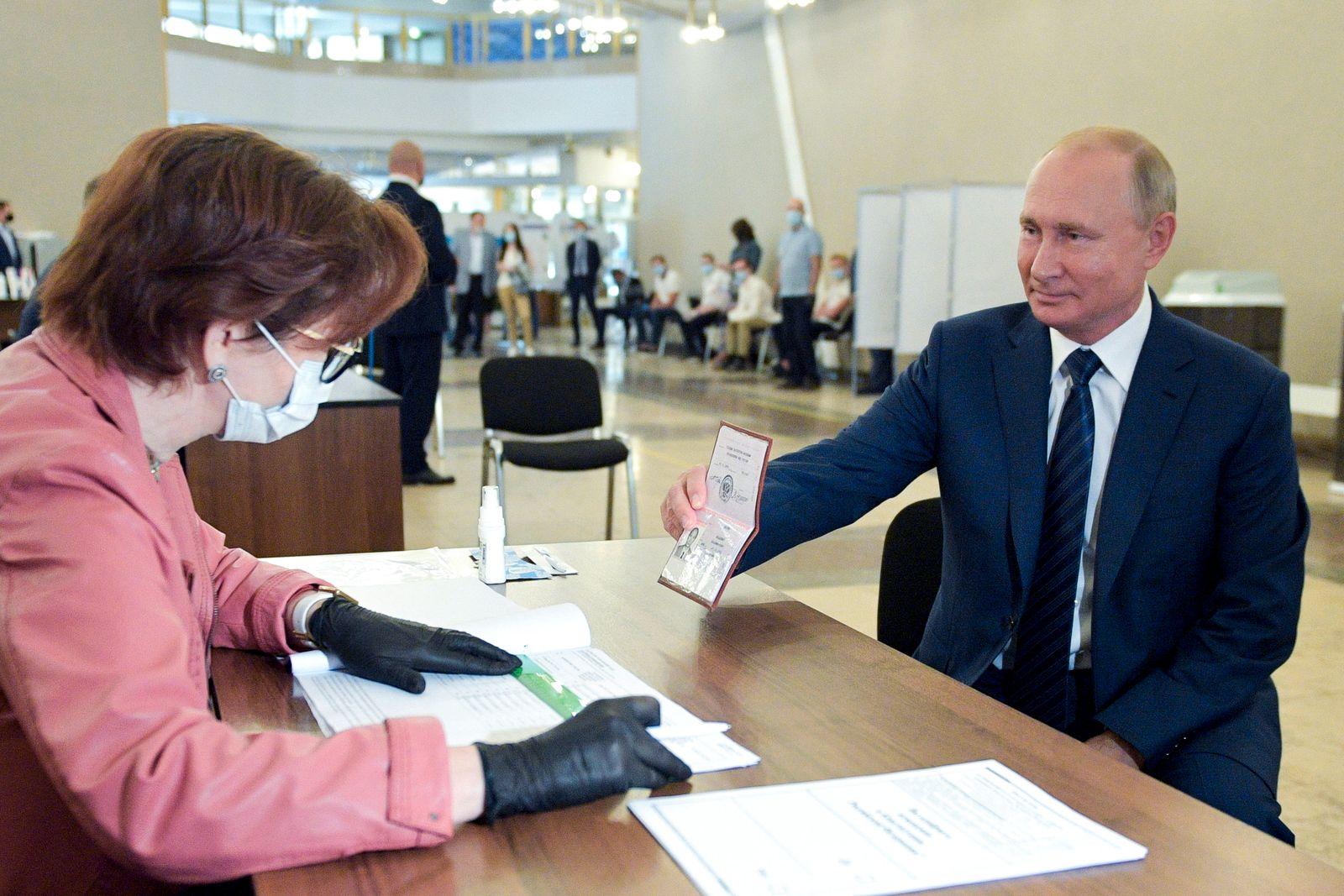 APTOPIX Russia Constitutional Vote