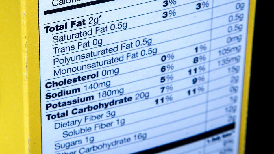 Laut FDA wird das meiste Salz über bearbeitete Lebensmittel eingenommen (Symbolbild)