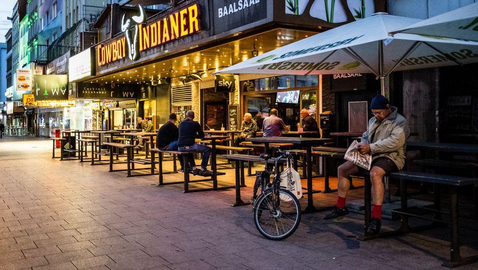 Die Hamburger Reeperbahn nach den jüngsten Lockerungen: viel ist noch nicht los