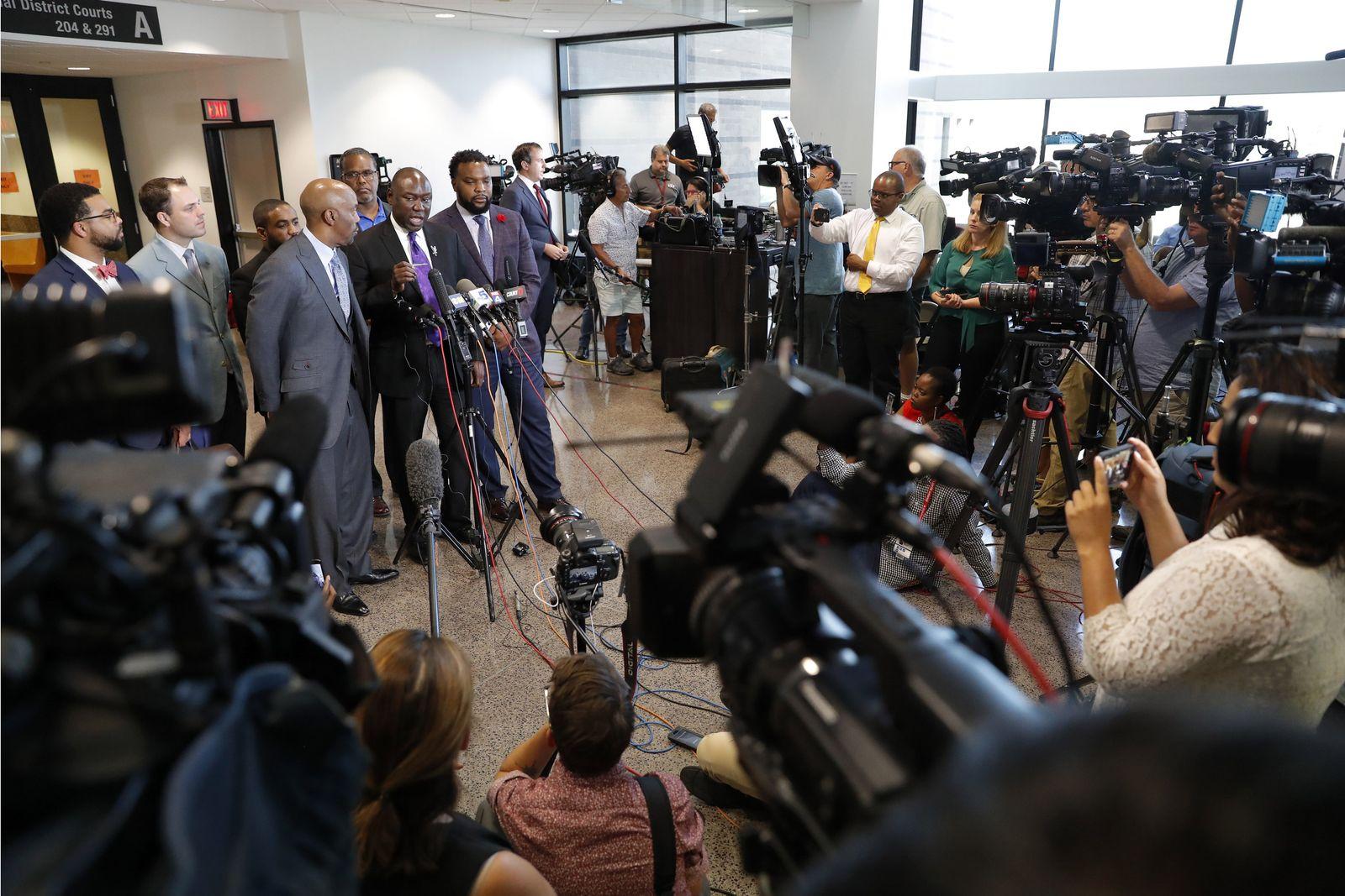 Dallas Officer Mistaken Apartment